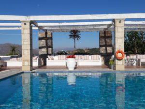 basen w hotelu rastoni